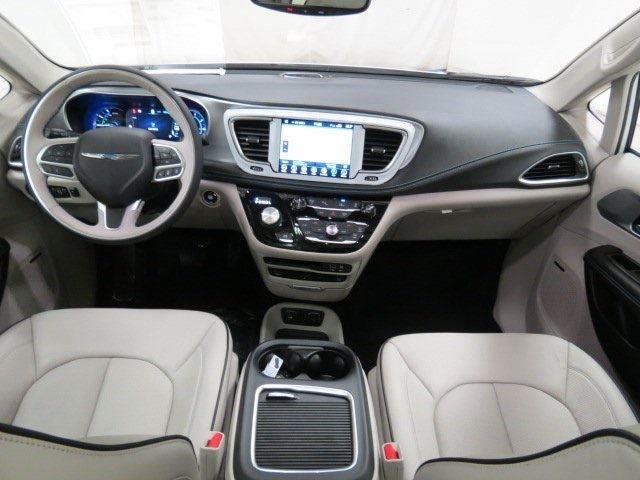 Mike Patton Lagrange Ga >> 2018 Chrysler Pacifica Hybrid Limited in Lagrange, GA | Columbus Chrysler Pacifica | Mike Patton ...